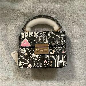 Mini Blk/Whi. Graffiti Bag